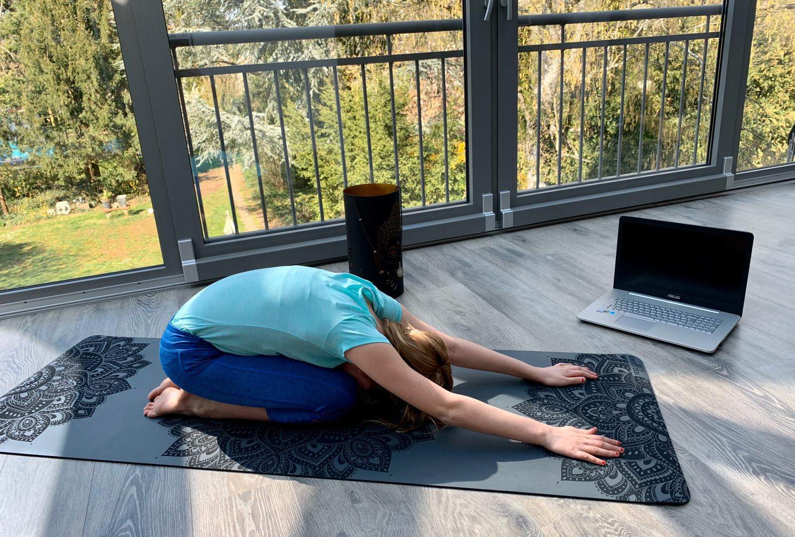 Yoga Online LIVE